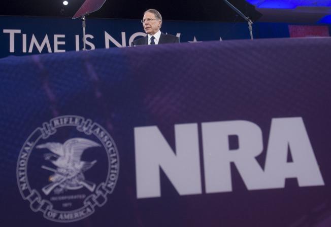 全國槍枝協會(NRA)反對購槍者擴大背景調查方案。(Getty Images)