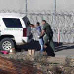 川普政府出招擋移民 邊境巡邏員兼政庇面試官 批准恐大減