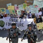 憂未死於戰爭死於氣候 阿富汗青年戰車上抗暖化
