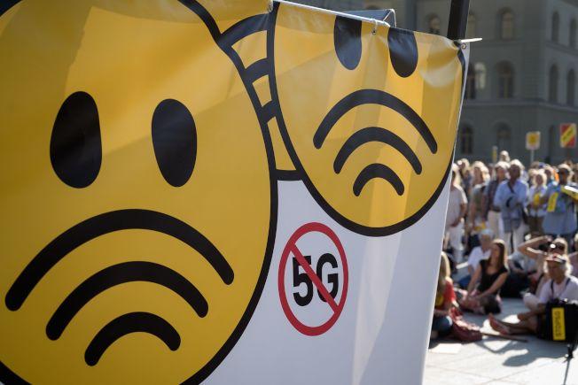 由於擔心5G行動網路會損害人體健康,數千人今天在瑞士首都伯恩舉行示威抗議。(Getty Images)
