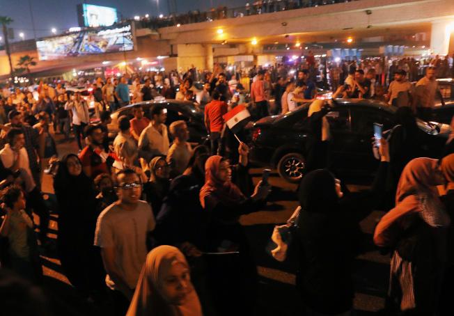埃及全國多地20日爆發反政府示威,要求總統塞西下台,是軍方2013年推翻民選政府重新奪權以來罕見。(路透)