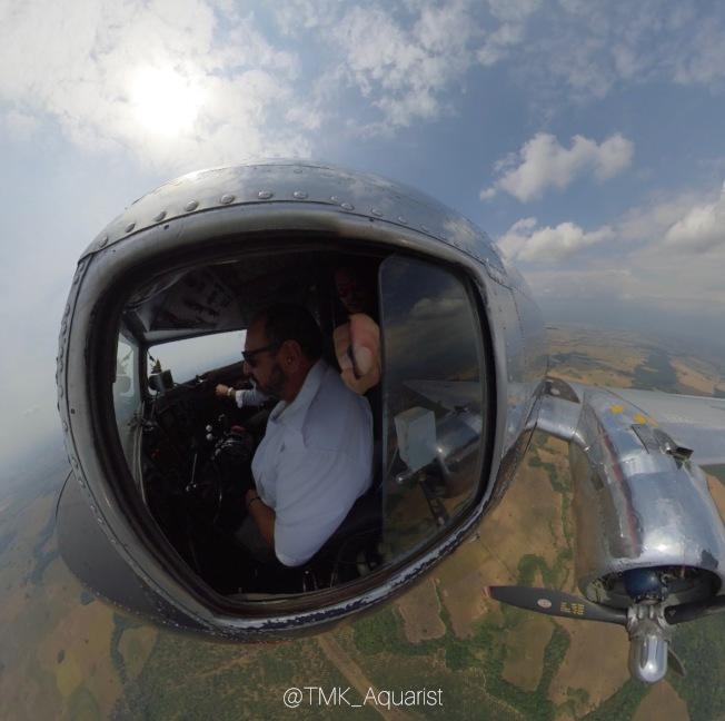 二戰時的小飛機飛往亞馬遜的一個支流。(Mark Chen提供)