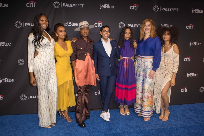 周日晚間的艾美獎頒獎典禮,將有許多LGBTQ演員展現才藝。圖為多位LGBTQ演員在艾美獎前夕亮相。(Getty Images)