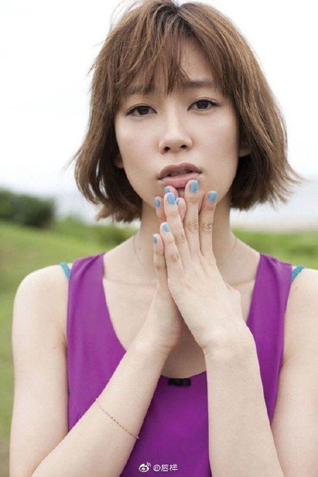 日本女星水川麻美2017年與窪田正孝合作電視劇傳出戀情。(取材自微博)