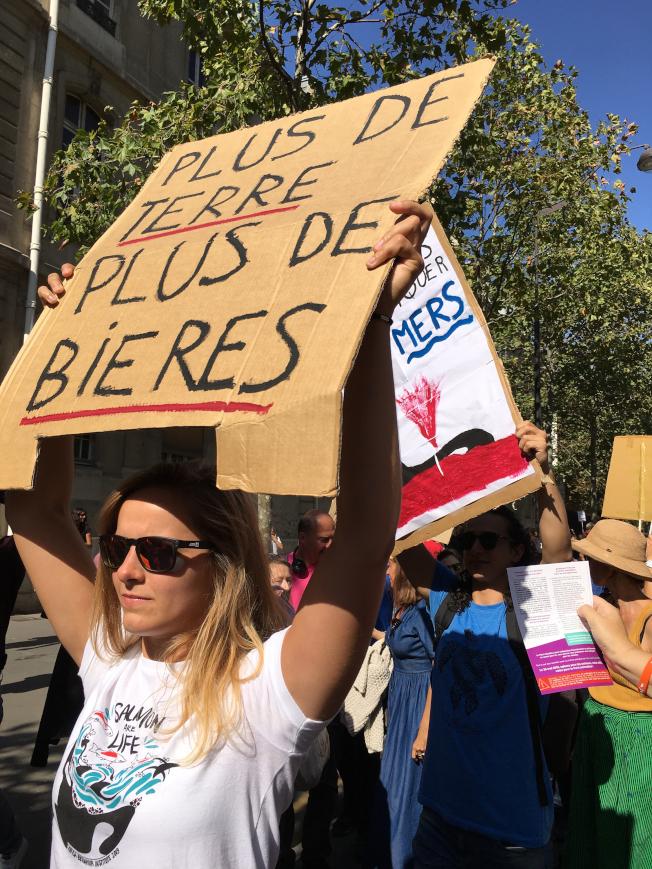 法國各地21日發起抗議政府面對氣候變遷不作為的遊行,在對抗氣候變遷的行動中,年輕世代試圖掌握更多話語權。中央社