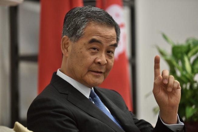 全國政協副主席、前特首梁振英近日在香港接受中新社專訪時表示,應該抓住這個機會正本清源,香港社會正集聚非常大的改變動能。(中新社)