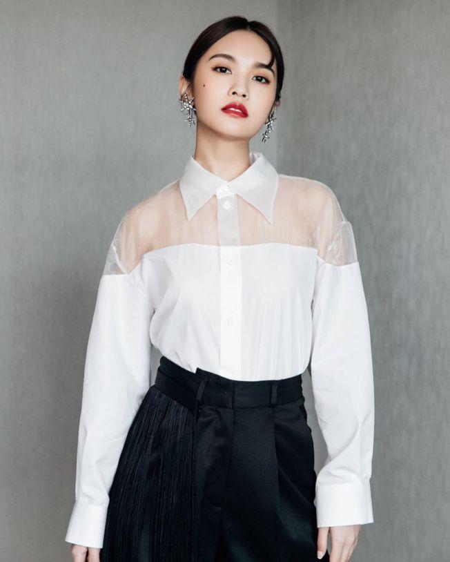 楊丞琳談到當年試鏡的阻礙,竟是右臉招牌的「痣」。(取材自Instagram)