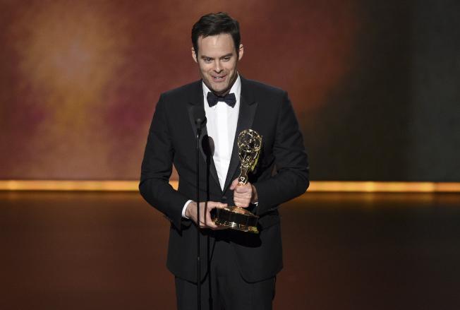 比爾哈德爾以「殺手進城」獲得最佳喜劇類影集男主角。(美聯社)