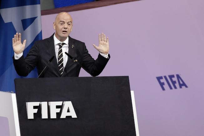 國際足總主席英凡提諾(圖)22日表示,伊朗當局已經向他保證,下月在德黑蘭舉行的世界盃資格賽,國內婦女將可入場觀賽。美聯社