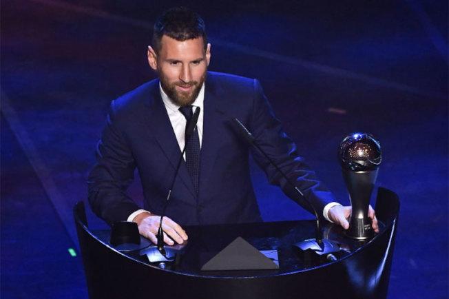 阿根廷球星梅西獲國際足總第6座年度最佳男子球員獎。法新社