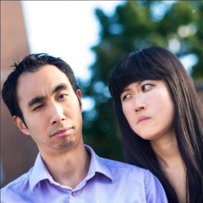 粱.布萊斯(左)和沈.克里斯蒂(右)夫妻在不犧牲生活品質的情況下提早退休。(Kristy Shen臉書)
