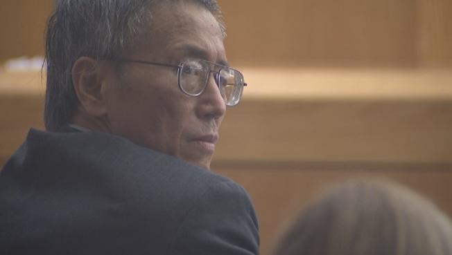 被控30年前強暴女醫師,致被害人多年後傷重不治,華裔前醫師郭喬治被判終身監禁。(福斯新聞網KDFW電視台)