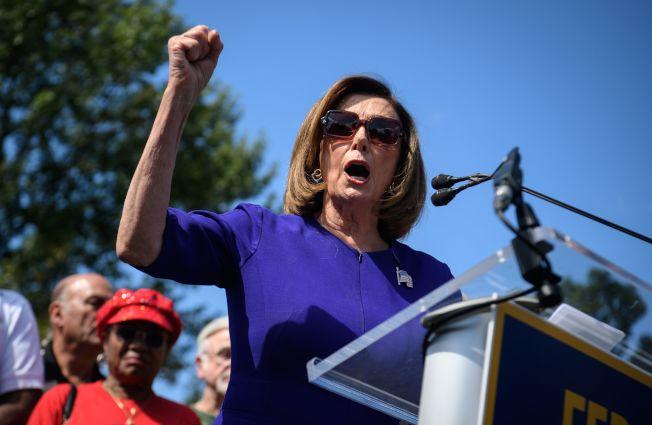 眾院議長波洛西宣布啟動彈劾程序,調查川普總統是否濫權,非法施壓外國領袖,打擊民主黨競選對手。(Getty Images)