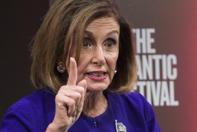 眾院議長波洛西宣布啟動彈劾程序,調查川普總統是否濫權,非法施壓外國領袖,打擊民主黨競選對手。(美聯社)