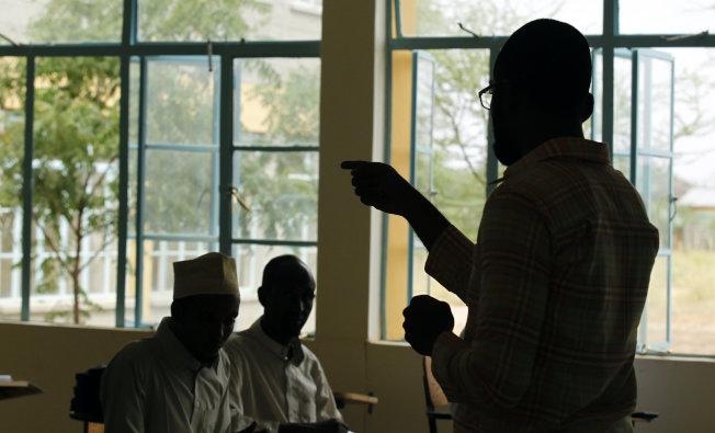 寫論文 肯亞窮學生新副業