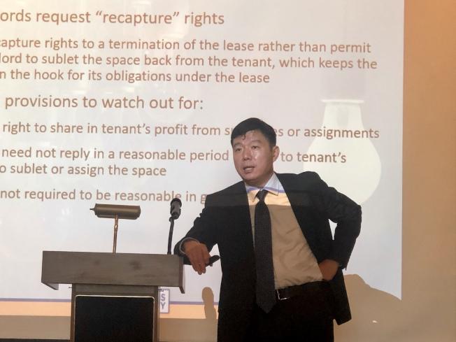 來自盛德國際律師事務所的周志明是本次主講人。(記者王若然/攝影)