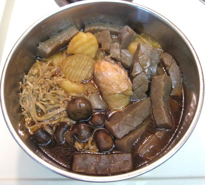 鮮菇雞肉蒟蒻煮