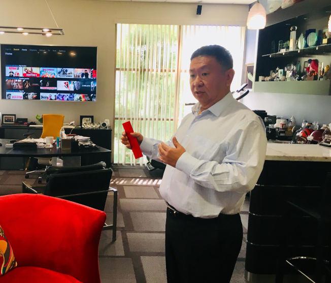 北美最大的高清液晶智能電視公司Vizio的創辦人王蔚。(記者尚穎/攝影)