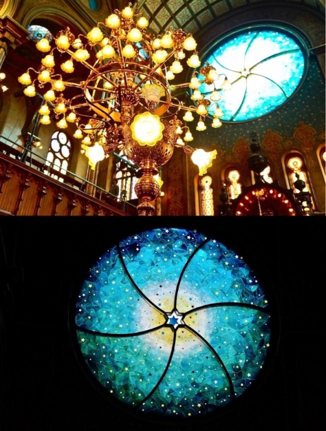 2010年由藝術家Kiki Smith與建築師Deborah Gans合作完成的巨型彩色圓窗和中間華麗的吊燈都是教堂最大的亮點之一。(圖:作者提供)