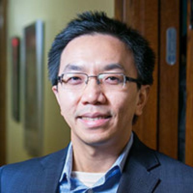 紐約市立大學華裔教授陳凡。(紐約市立大學研究生中心提供)