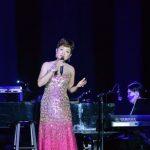 「萬般情緣50周年」 葉麗儀紐約獻唱:香港需要更多愛