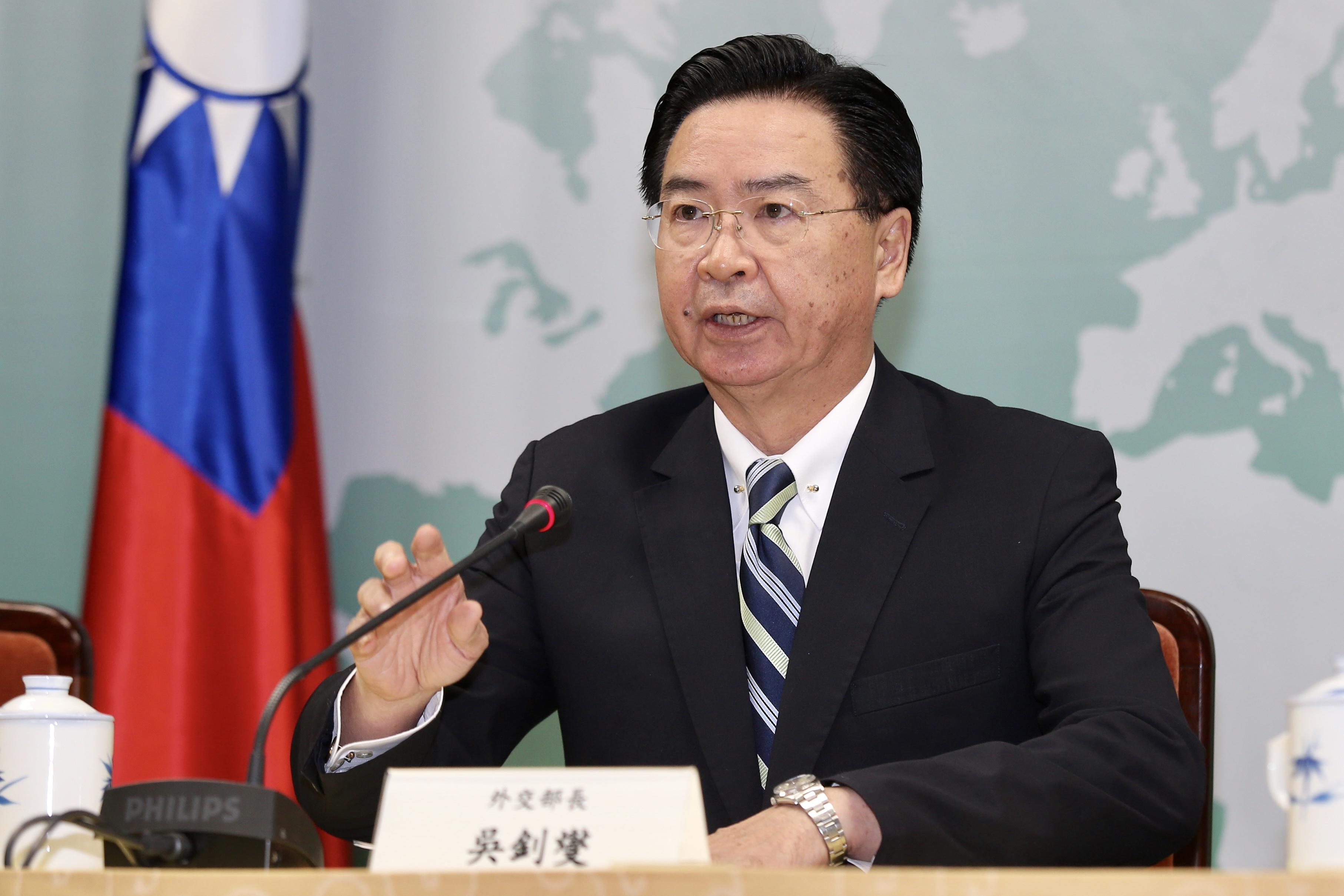 外交部長吳釗燮20日舉行記者會宣布,中華民國即日起與吉里巴斯斷交。(記者林伯東/攝影)