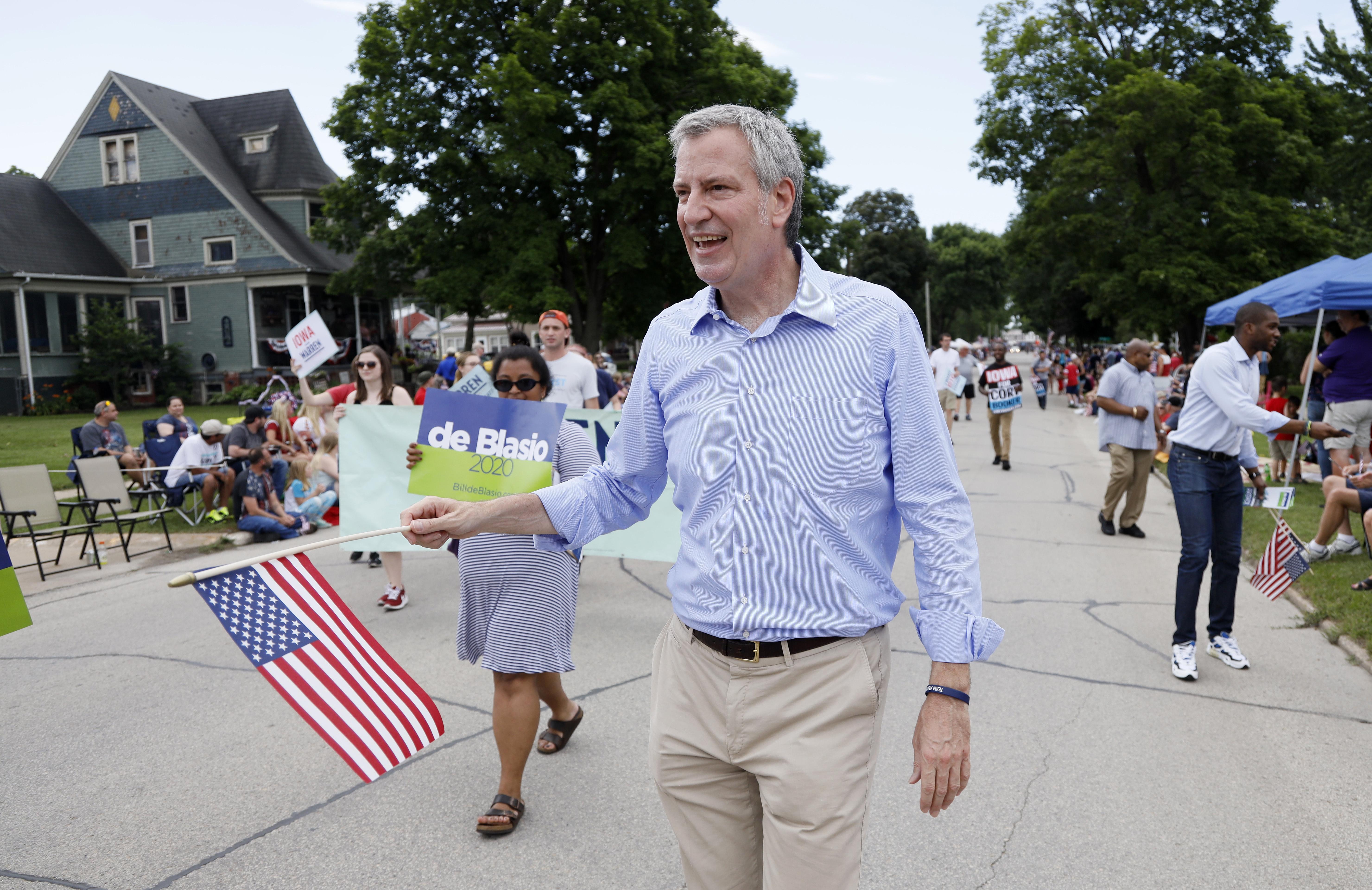 白思豪20日宣布退出2020年總統大選,圖為他7月4日在愛阿華州造勢。(美聯社)