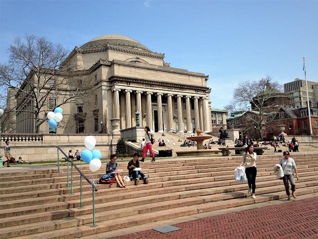 哥倫比亞大學排名第三,與耶魯大學、麻省理工學院並列。(記者張宗智/攝影)