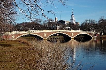 哈佛大學在「美國新聞與世界報導」最新大學排名上評分第二高。(記者張宗智/攝影)