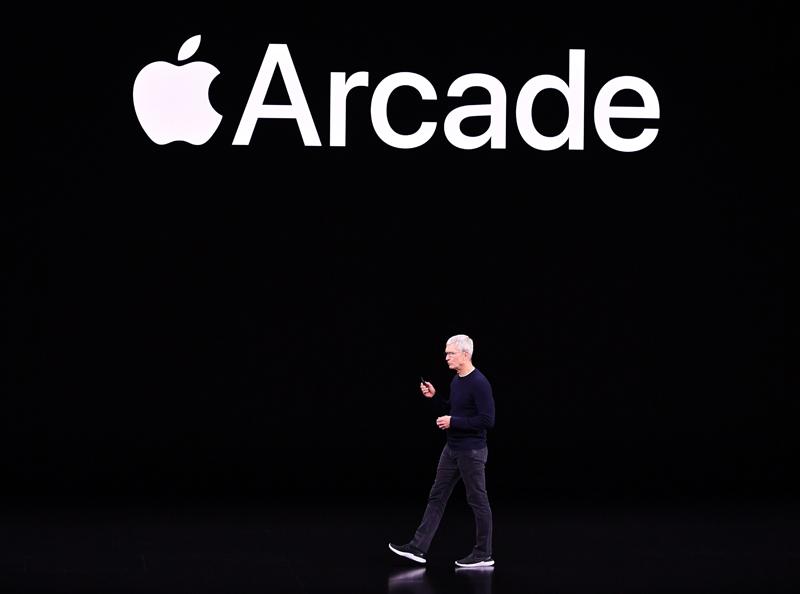 蘋果執行長庫克說明蘋果遊戲訂閱服務Apple Arcade。(Getty Images)