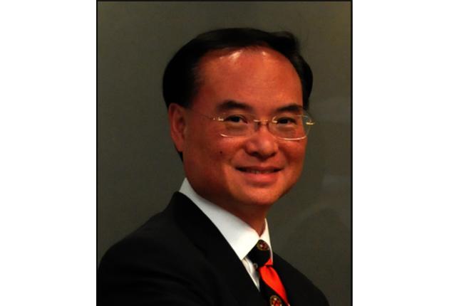 長春籐名校及醫學院升學成功策略顧問陳肇新醫學博士(Dr.Simon  Chan),將在秋季教育展中主講四場,主題均圍繞在高達「90%和100%」成功率的升學策略。(陳肇新提供)