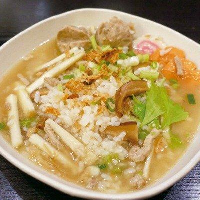 冷冷的早晨吃上一碗香菇竹筍粥便從心底暖了起來。圖/太陽臉
