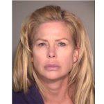 范杜拉縣熟女涉性侵兩少年 被捕