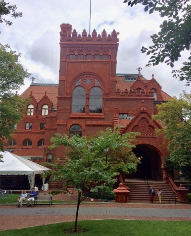 賓州大學圖書館氣勢宏大。(家長阮秉森提供)