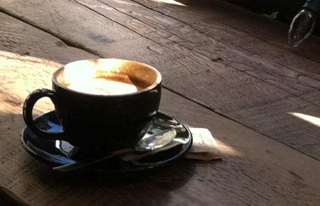 温哥華香濃的咖啡。