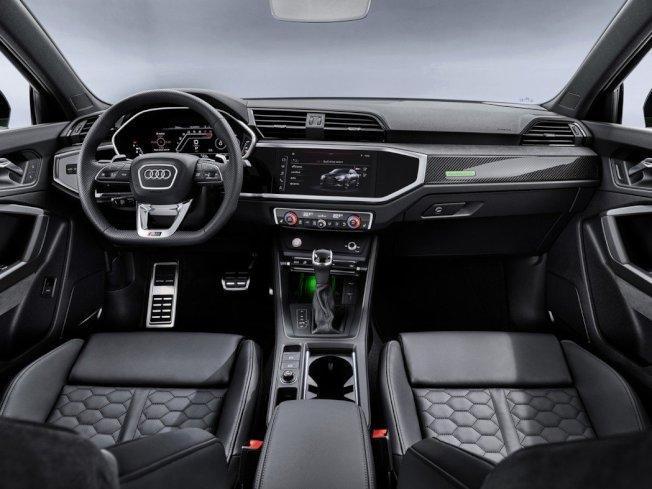 全新Audi RS Q3 Sportback 內裝特色。(Audi)