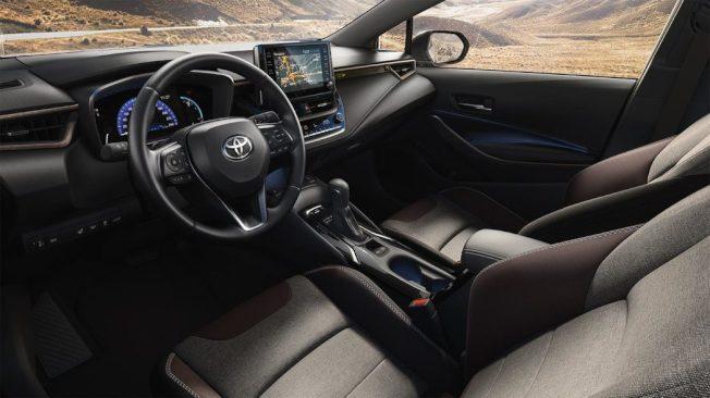 內裝配置雙色座椅。(Toyota EU)