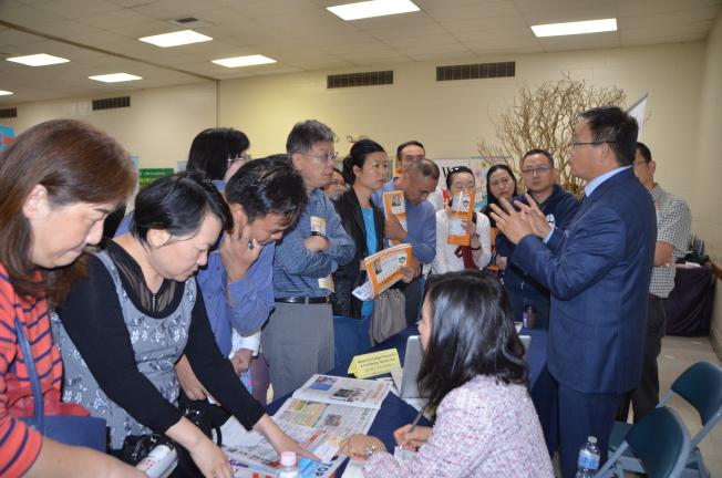 大學助學金及稅務規劃專家Michael Chen。(記者王全秀子╱攝影)