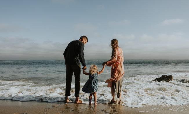 遺囑不只是交代財產,更可交代孩子由誰照顧。(rawpixel.com)