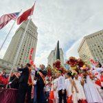 數千僑胞慶十一聚富利廣場 觀升旗儀式唱響國歌