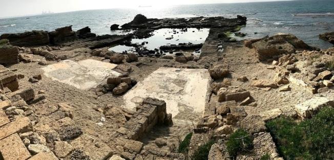希律海岬王宮遺址。