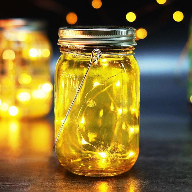 超小的串燈可以放在瓶子裡。(取自亞馬遜網站)