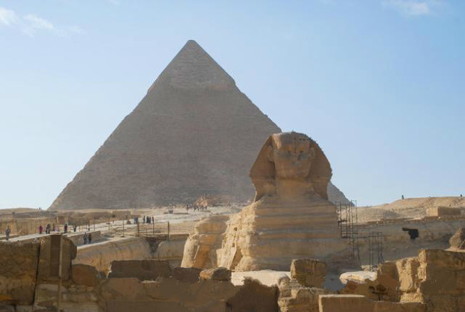 埃及金字塔和獅身人面像