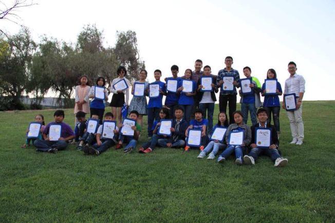 根據洛杉磯瀋陽旅美作家冰人撰寫的紀實文學改編、以洛杉磯華人新移民兒童生活為背景拍攝的短片電影「孩子們的世界」(View from Below),登上亞馬遜Prime。(「孩子們的世界」劇組提供)