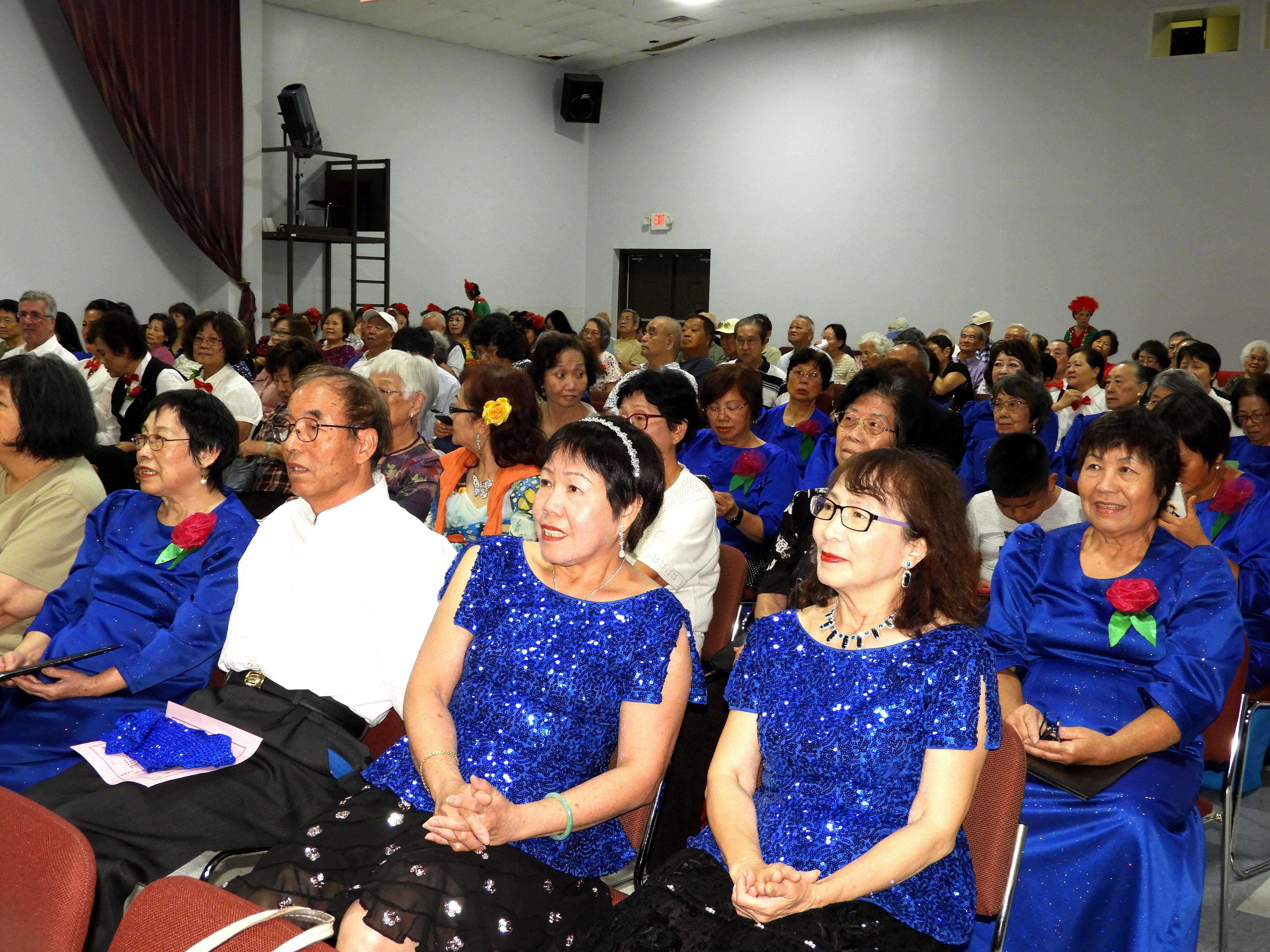 會內舞蹈班成員及歌唱班表演者。