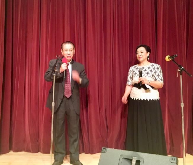 華聯會會長李國衛(左)開場致詞。(記者尚穎╱攝影)