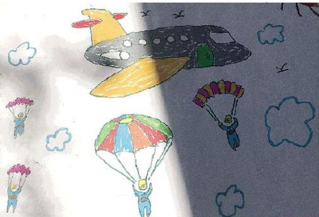 小學生送給馬旭的畫,畫著空降兵。(取材自南方都市報)
