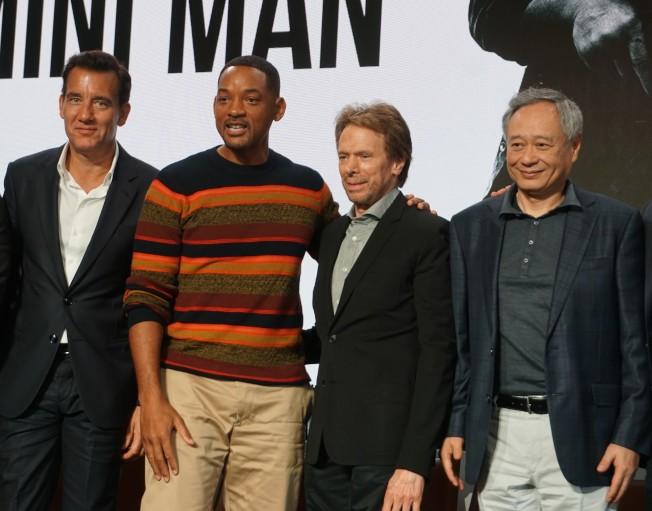 導演李安(右)與演員威爾史密斯(左二)、克里夫歐文(左一)、製片人傑瑞布洛克海默(右二)出席10月4日在洛杉磯舉辦的「雙子殺手」(Gemini Man)宣傳活動(記者馬雲╱/攝影)
