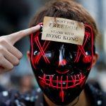 批示威如「港版顏色革命」 港澳辦、中聯辦:堅決支持蒙面禁令