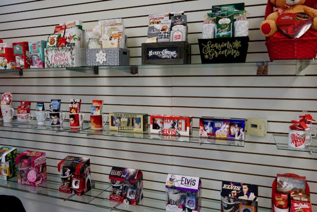節日禮品是Mega Toys主營業務之一。(記者陳開/攝影)